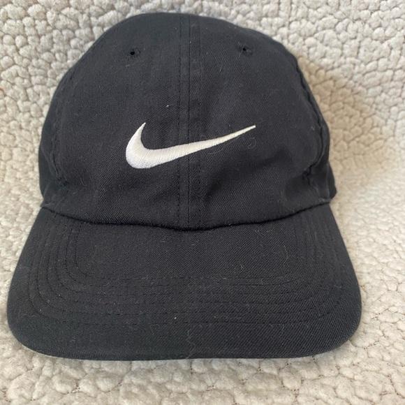 Nike black drifit one size hat